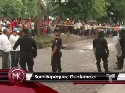 Une jeune fille battue et brûlée vive par une foule en colère au GuatemalaCopie écran vidéo YouTube