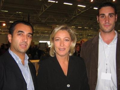 Marine le Pen et deux membres de la Falange